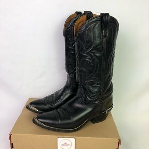 Shoes - Cowboy boots Women's size 8.5D with metal tips